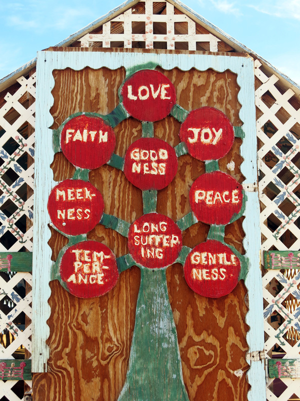 Salvation Mountain - Slab City California // TheOneWhereIMoveToCalifornia.weebly.com